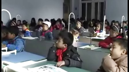 小学三年级科学优质课视频《神奇的水》实录与评说教案与课件_孟莎