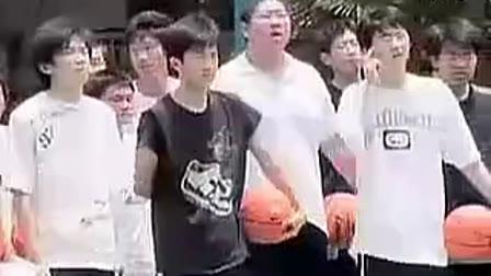 高二体育与健身:篮球:传切配合 上海市优质课大赛各区第一名,市一中学,杨清风
