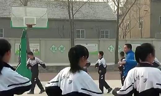 篮球双手胸前传接球